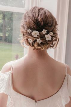 flower-hair-pins-boho-white-gold-silver-rustic-floral-wedding-bridal (29).jpg