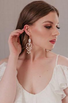 statement-pearl-earrings-boho-bride-wedding-unique-beautiful-bohemian (2).jpg