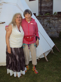 Com Lydia Ruyle, Glastonbury Goddess Conference, em 2015