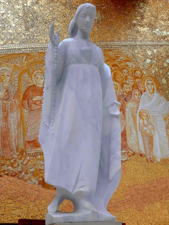 Deusa Donzela da Cova da Iria