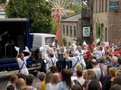 Start of first Ouseburn perfomance