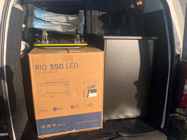 Juwel Rio 350 being delivered and installed