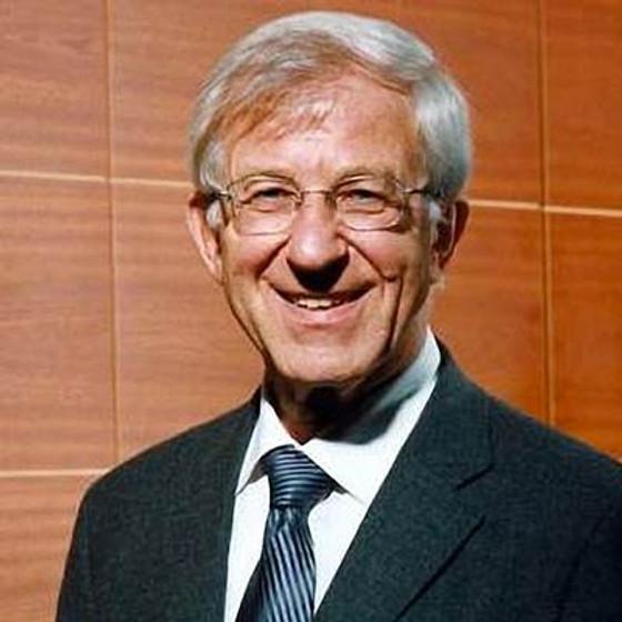 Prof. Dr. Franz Alt: Wer in einer Demokratie schläft, kann in einer Diktatur aufwachen.