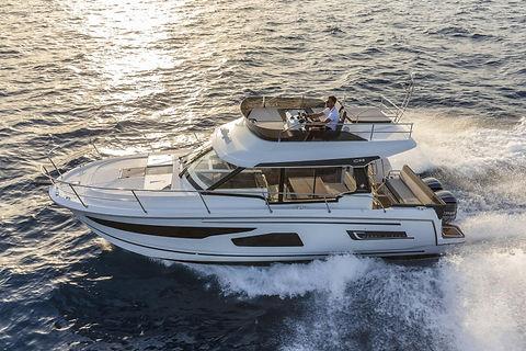 Jeanneau_Motorboat_MerryFisher1095.jpg