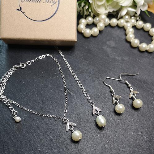 Pearl snow drop Jewellery set