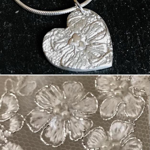 Wedding dress pendant