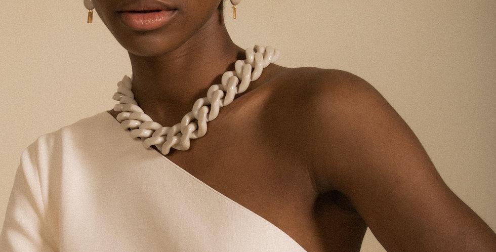 Suerte necklace cream