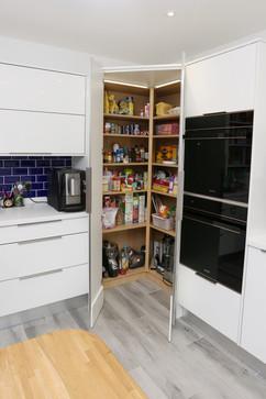 Walk in pantry open