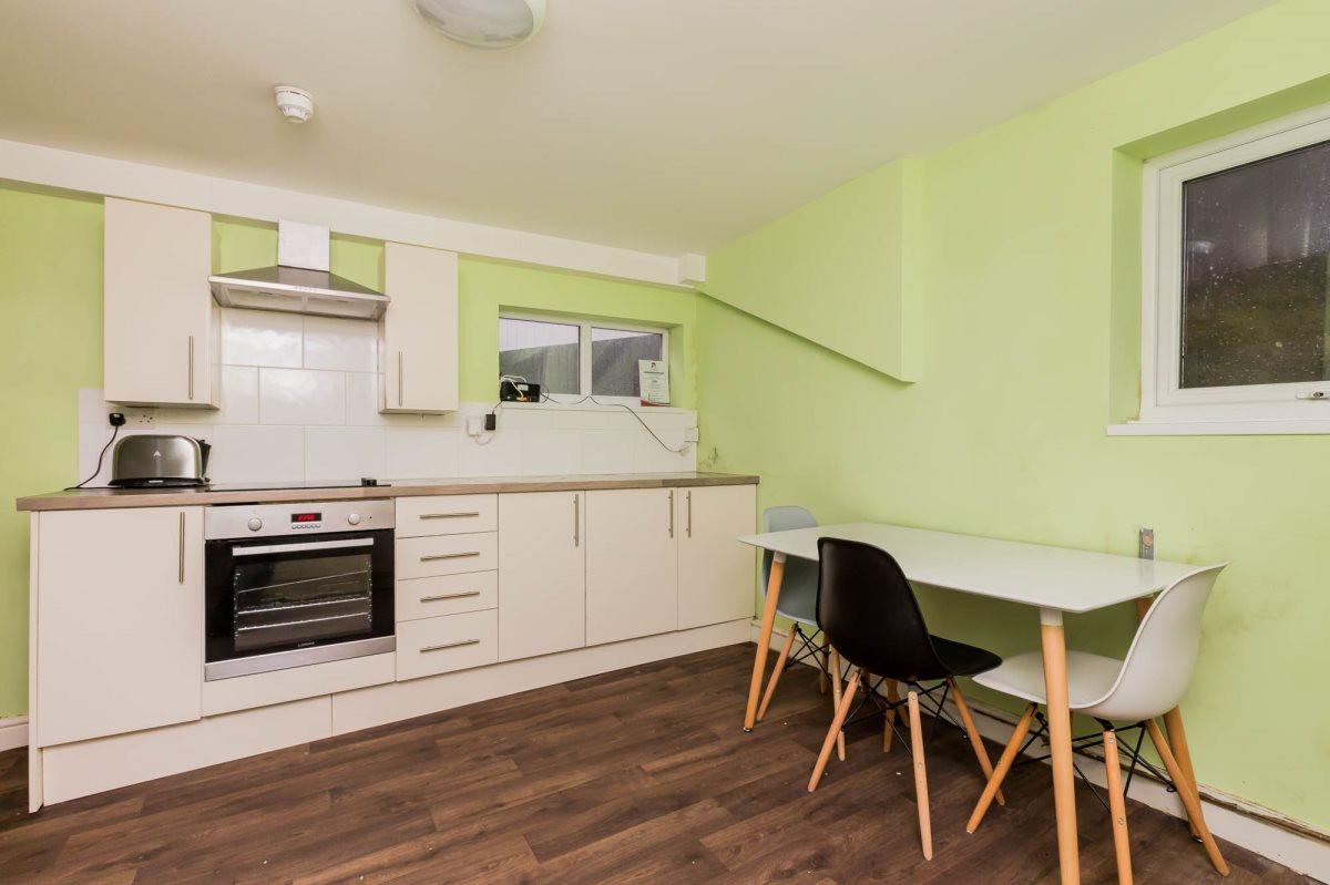 Clough Rd Kitchen.jpg