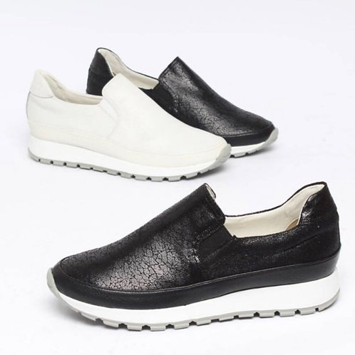 Real leather sneakers (Black or White)
