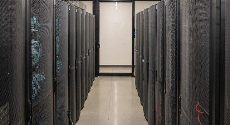 CTLx_WEB_IMG_Networking_Corridor_Sayles-