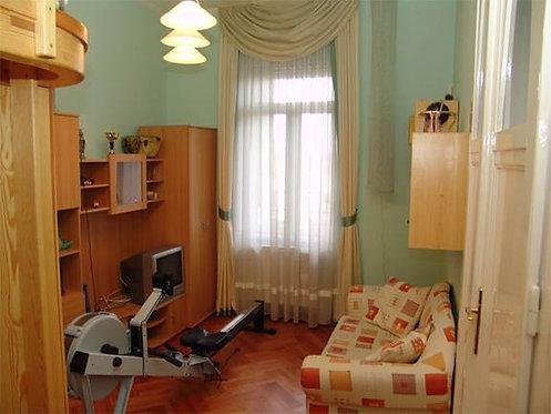 Lot №21 Будапешт свыше 100000