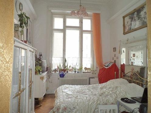 Lot №13 Будапешт свыше 100000