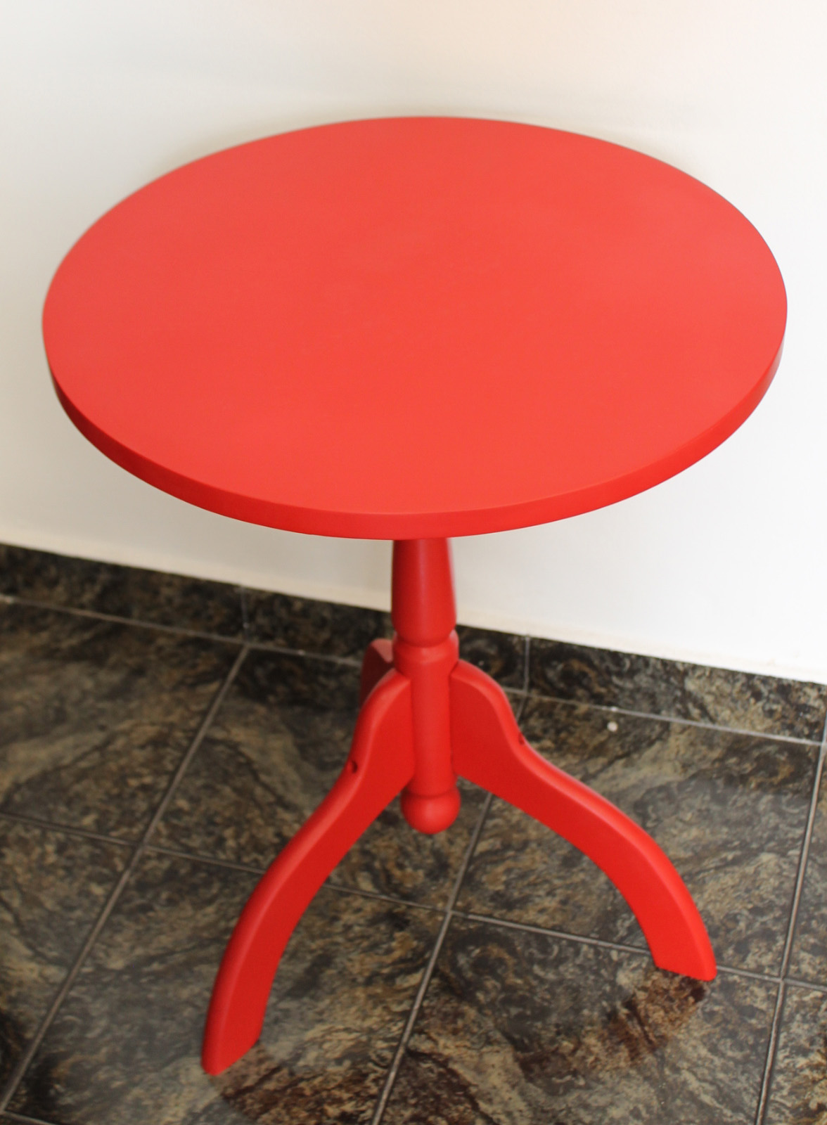 Mesa vermelha