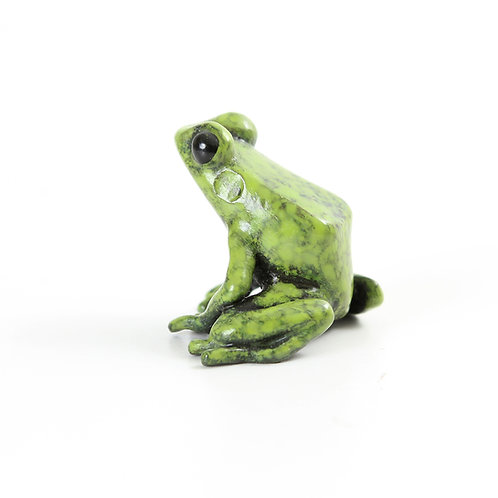 poison dart frog in bronze - small - green