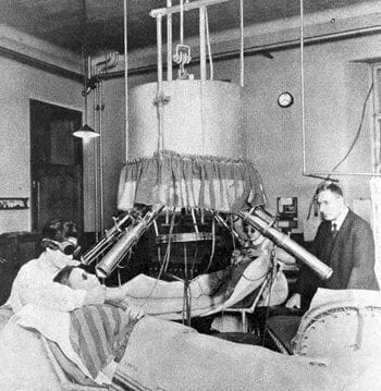 Finsen won theNobel Prize in Physiologyin 1903 for his work on phototherapy.