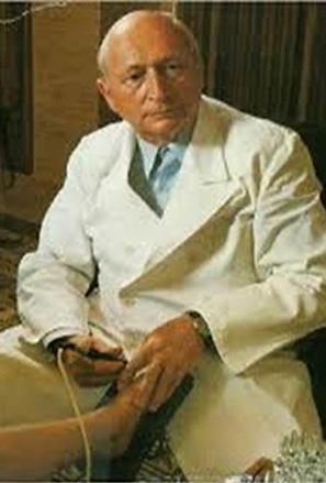 Dr Reinhold Voll