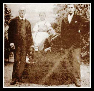 Carl Jung with parents and sister
