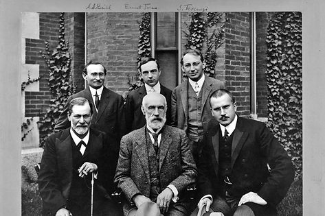 Group photo, Clark University, 1909. Front row: Sigmund Freud, G. Stanley Hall, Carl Jung. Back row: Abraham Brill, Ernest Jones, Sándor Ferenczi.