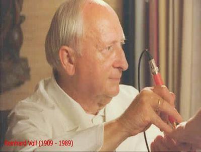 Dr. Reinhold Voll (1909-1989)