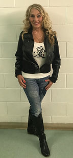 LIN HULTGREN - LEATHER JACKET AND JEANS