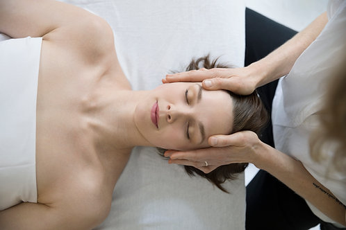 60 min Aroma Head Massage & Hopi Ear