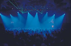 Sie planen eine Weihnachtsfeier oder eine Firmenfeier? Dann buchen Sie DJ P.HAENDLER aus Beelitz für Berlin, Brandenburg und Potsdam