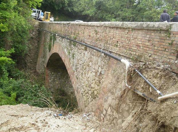 Ponte Guazzano.jpg