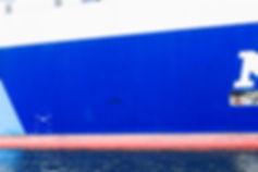 8.6000台の車を載せた船.jpg