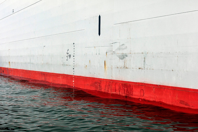 23.赤い船底.jpg