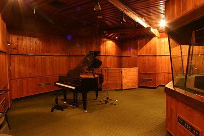 לימודי סאונד, בית ספר לסאונד טולס, איך לקבל סאונד  פסנתר אורירי במיקס