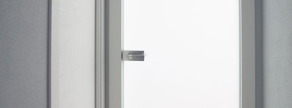 Vendita  in Sardegna di porte e pareti in vetro realizzate dalla vetreria Frau