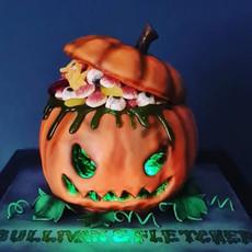 Illuminated Pumpkin Halloween Cake