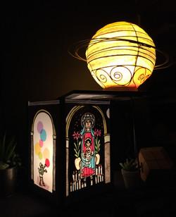 土星と絵本の灯り
