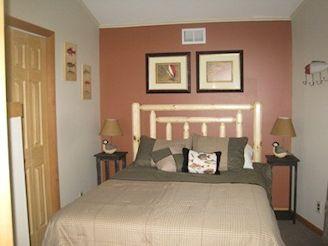 3rd bdrm queen bed 2nd floor