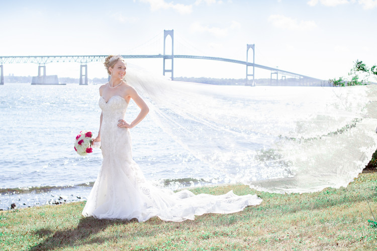 Bride-Newport-RI-summer-wedding.jpg