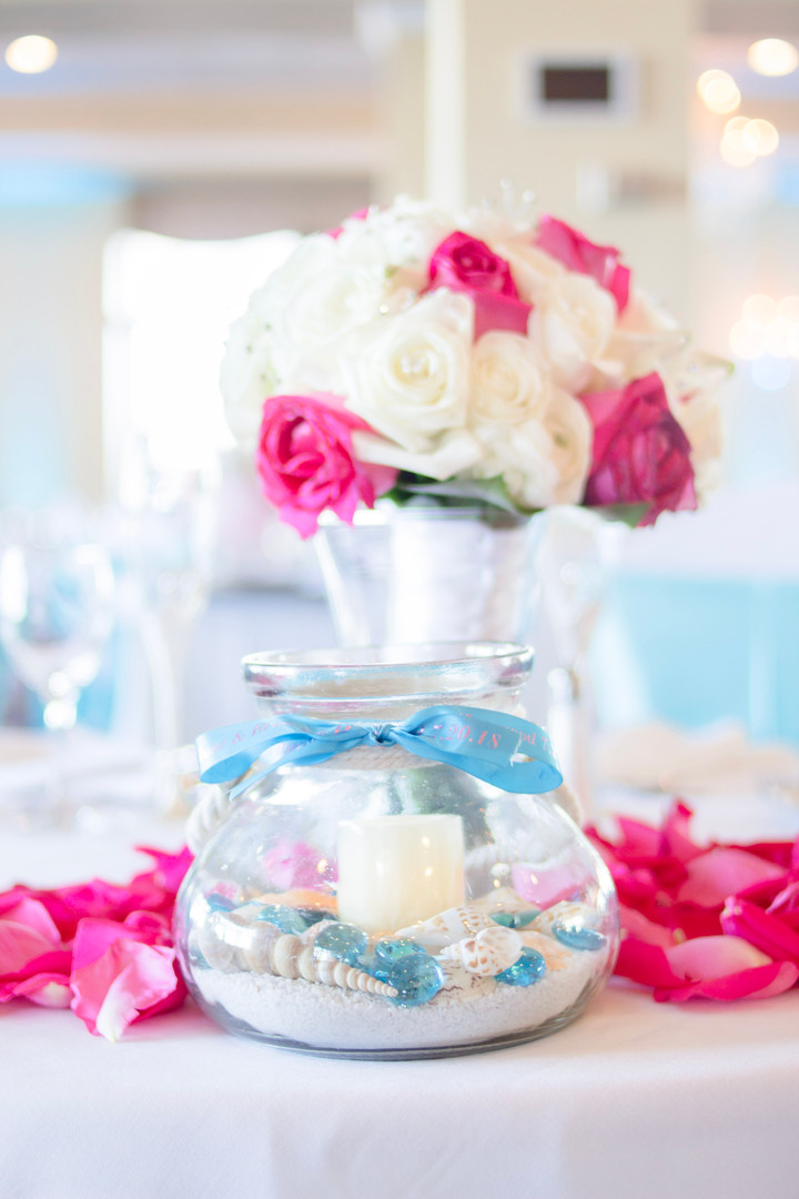 newport-venue-wedding-centerpiece-beach.