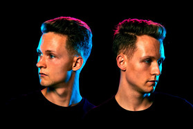 PR - The Cosmic Twins by Thomas Knoop