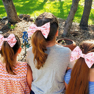 Pale pink Swirl Texan Size Bow