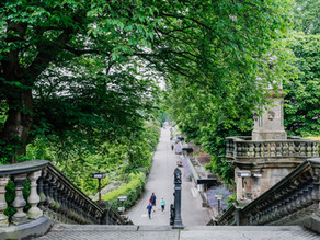 Book your next well-deserved getaway in Edinburgh with us