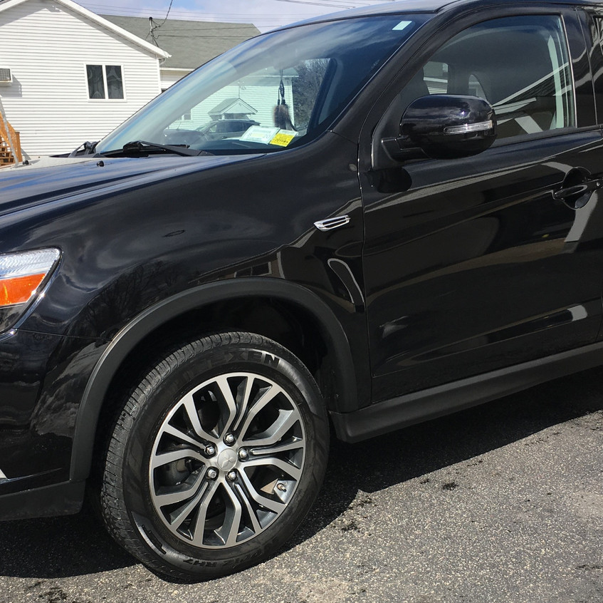 This '16 Mitsubishi was cleaned, buffed, and polished with no water! If you live in an apartment complex, commercial area, or any other place with no access to outdoor water, you can still take advantage of our mobile service.