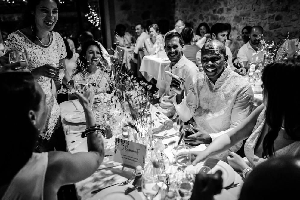 mariage-haut-de-gamme-repas-mariés-authe