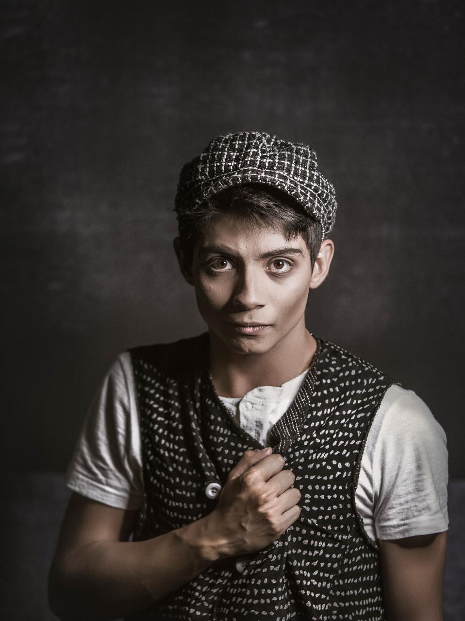Adrian Mejia es Tobías