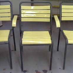 Lackierarbeiten Möbel Aussenbereich, Stühle lackieren, gelb, Maler Zieri - Beckenried Nidwalden