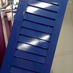 Lackierarbeiten Aussenbereich, Fensterläden lackieren, blau, Maler Zieri - Beckenried Nidwalden