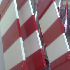 Lackierarbeiten Aussenbereich, Fensterläden lackieren, rot-weiss, Maler Zieri - Beckenried Nidwalden