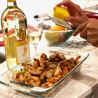 #cookingparty #lemonshrimps #wine
