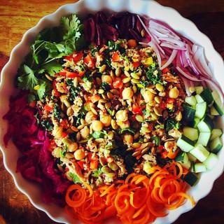 #powersalad #naturesbounty #colorfulfood
