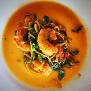#zucchininoodles #currycoconutbroth #shrimps