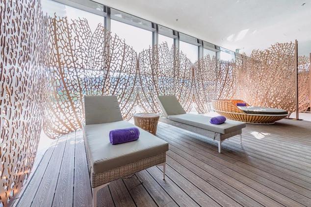 pool lounging deck